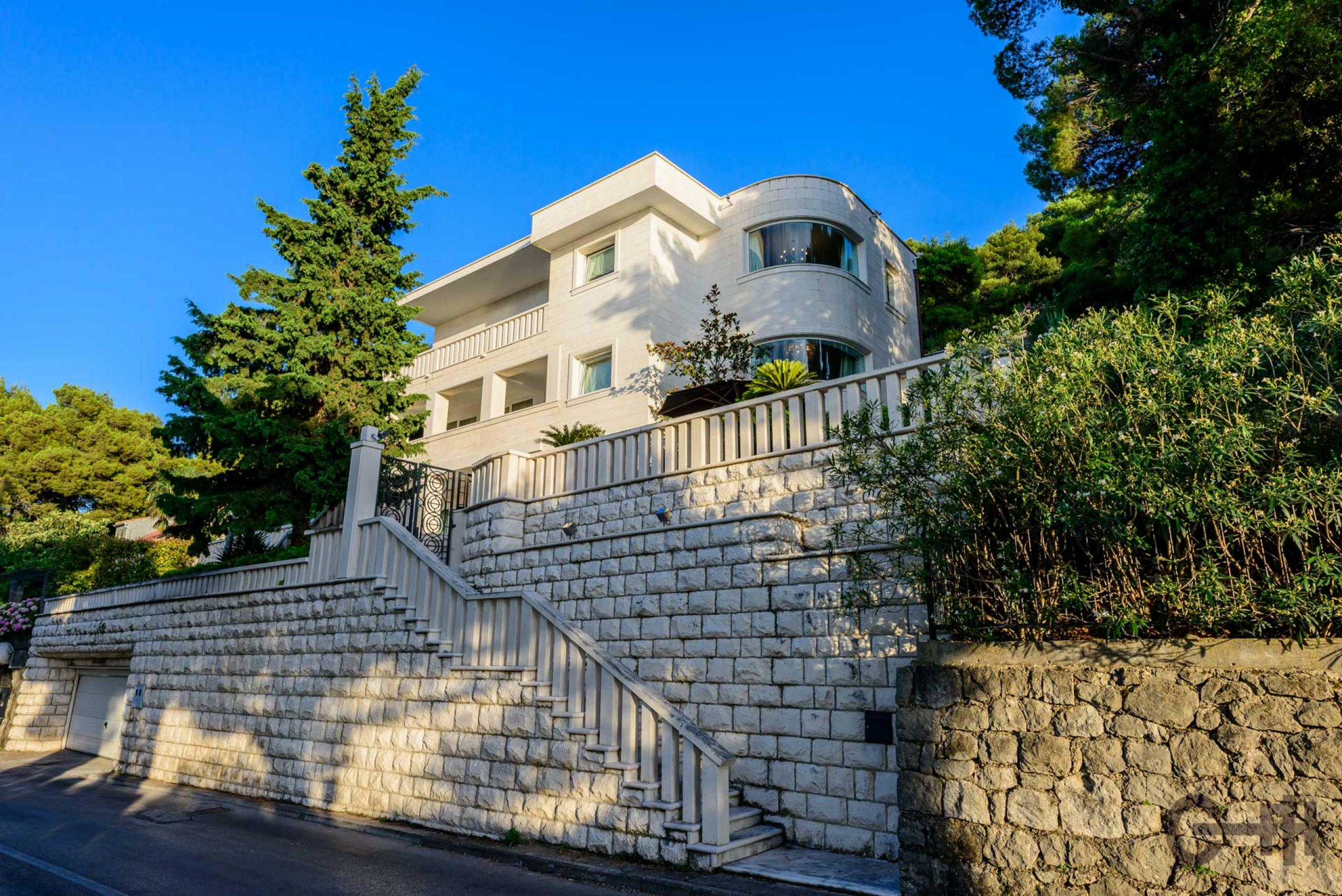 Villa royal dubrovnik croatia finest holidays for Villa royale